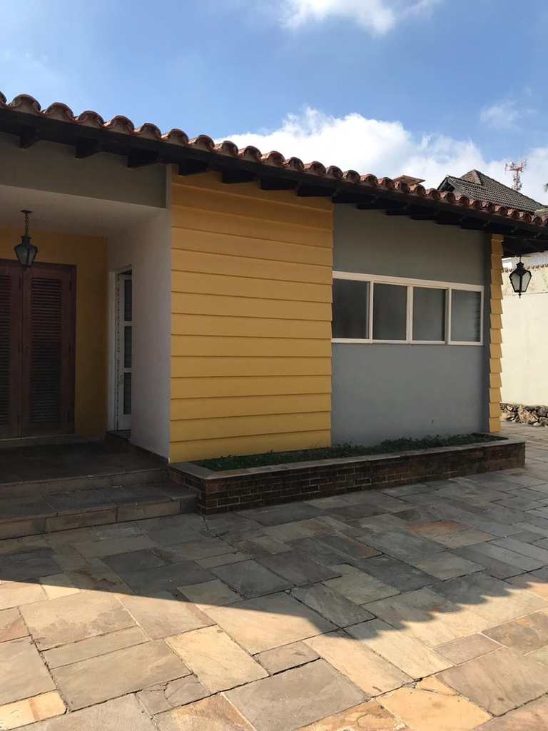 Casa em Itapecerica da Serra, no bairro Centro