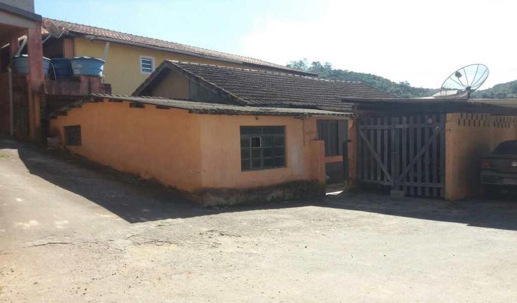 Casa Comercial em São Lourenço da Serra, bairro Centro