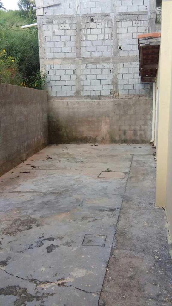 Sobrado em Cotia, no bairro Outeiro de Passárgada