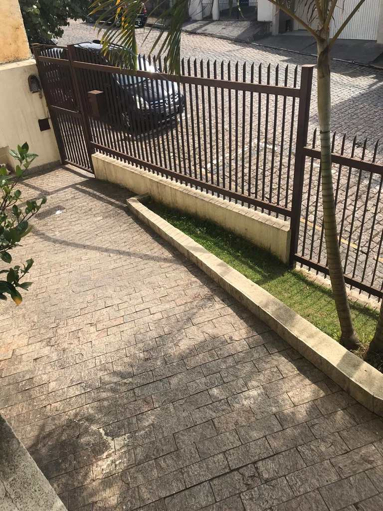 Apartamento em Itapecerica da Serra, no bairro Jardim Tereza Maria