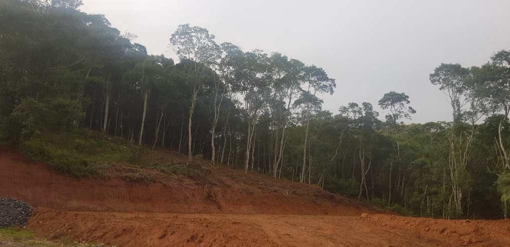 Terreno em Itapecerica da Serra, no bairro Itaquaciara
