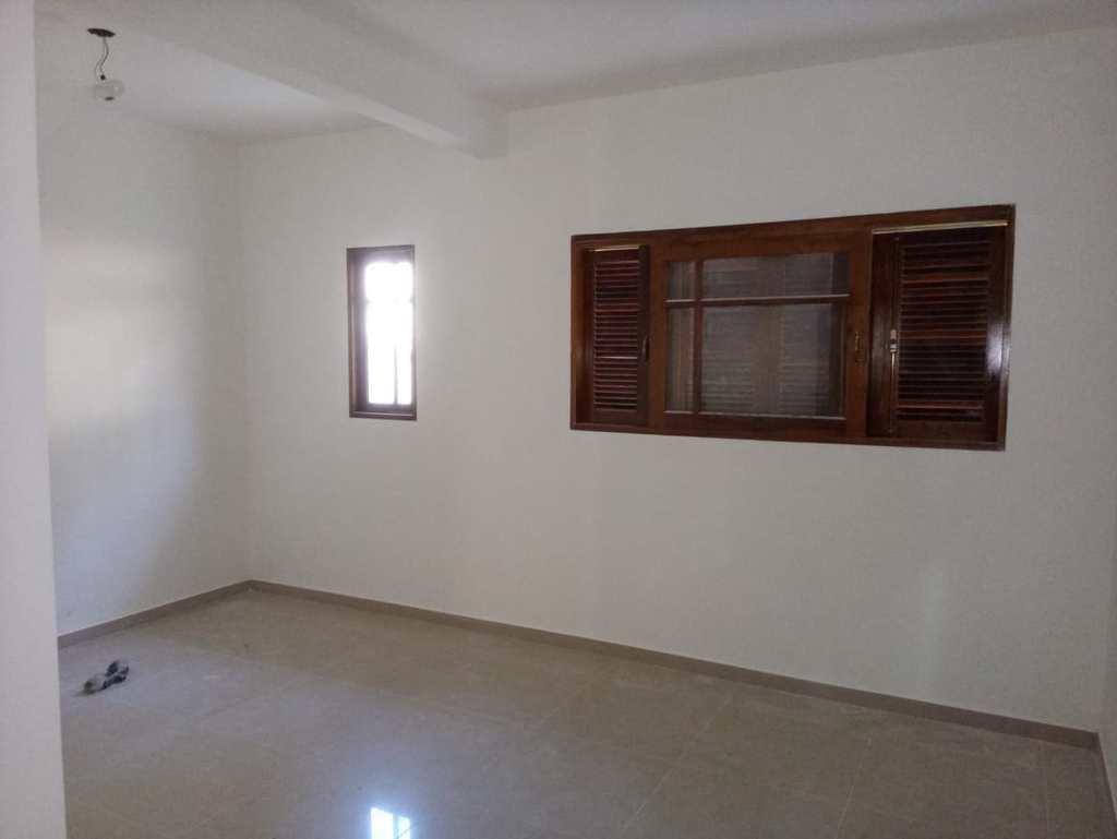 Casa em Itapecerica da Serra, no bairro Lagoa da Prata