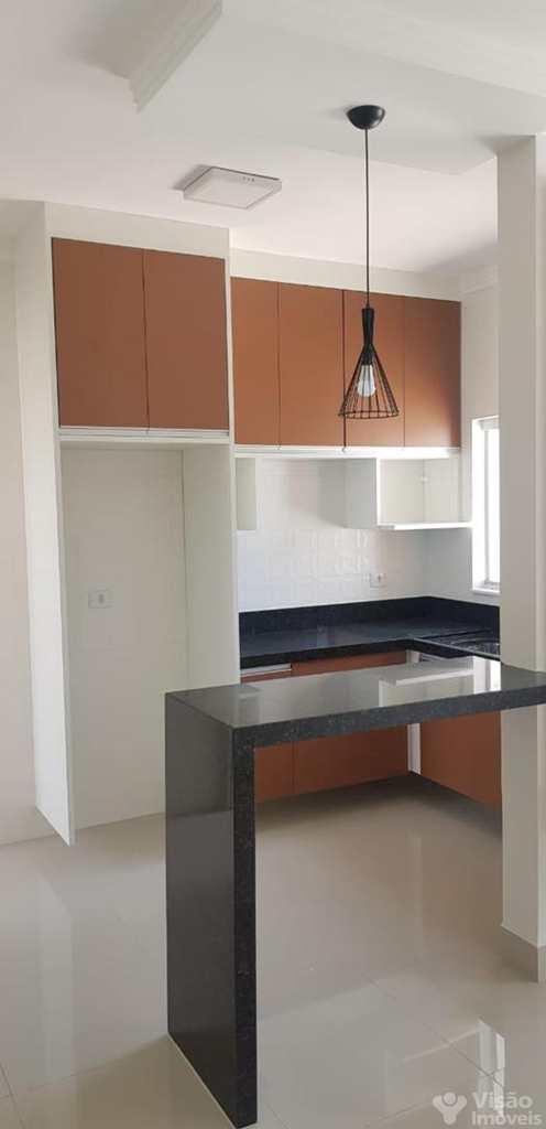 Casa em Pindamonhangaba, bairro Residencial Parque das Palmeiras