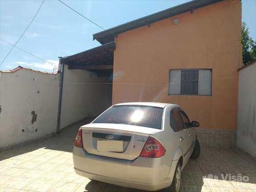 Casa, código 1915000 em Pindamonhangaba, bairro Conjunto Residencial Araretama