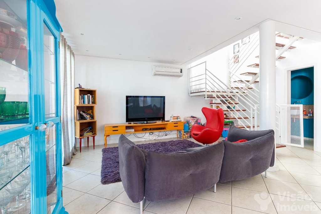 Casa de Condomínio em Taubaté, bairro Jardim das Nações