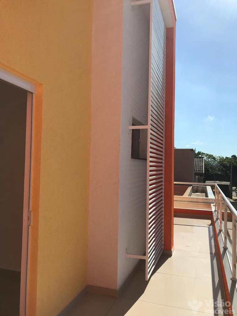 Sobrado de Condomínio em Pindamonhangaba, bairro Borba