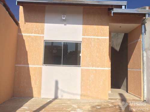 Casa, código 1920005 em Pindamonhangaba, bairro Laerte Assunção