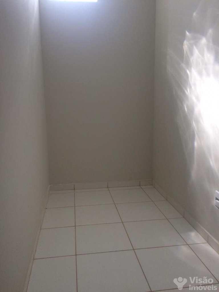 Sobrado em Pindamonhangaba, no bairro Maria Áurea