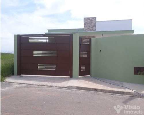 Casa, código 1920055 em Pindamonhangaba, bairro Loteamento Residencial E Comercial Flamboyant