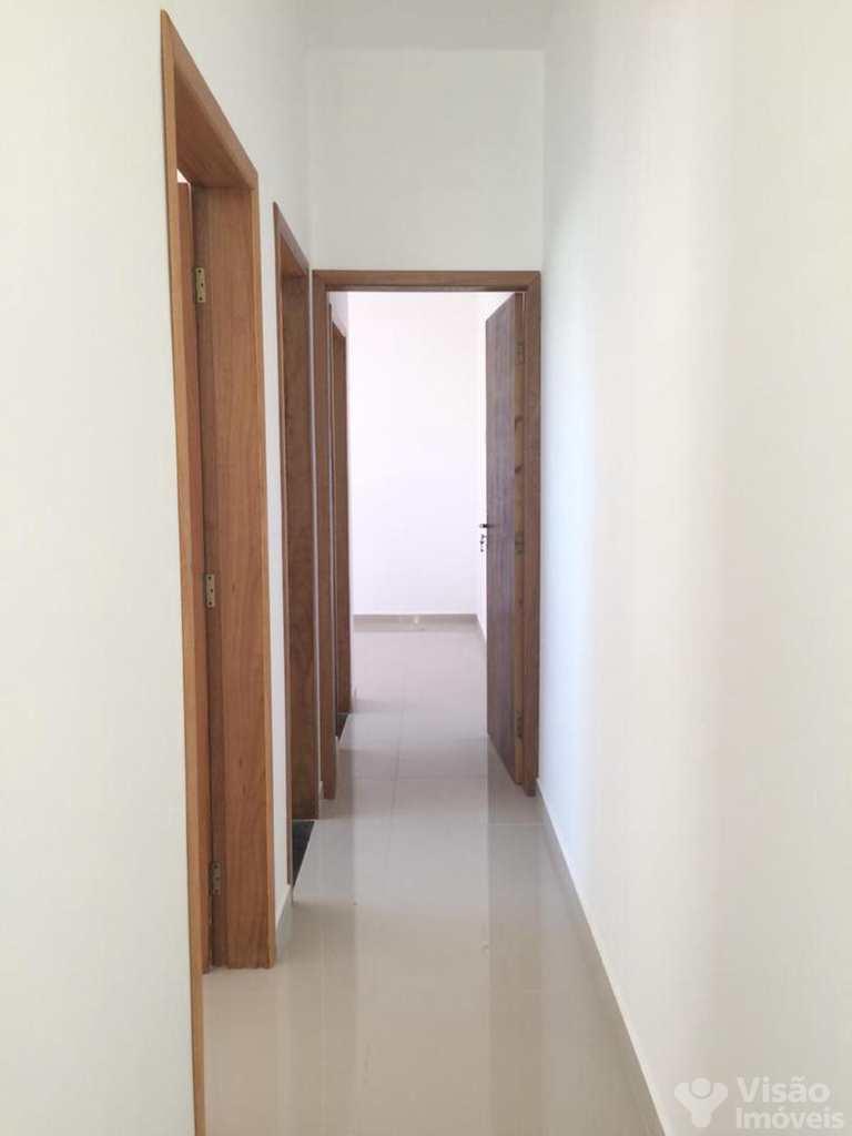 Casa em Pindamonhangaba, no bairro Loteamento Residencial E Comercial Flamboyant
