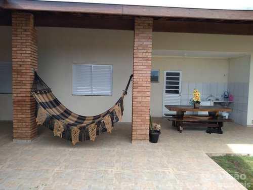 Casa, código 1920070 em Pindamonhangaba, bairro Parque Shangri-Lá