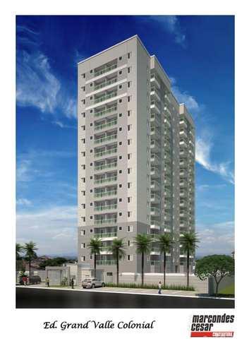 Apartamento, código 1920090 em Pindamonhangaba, bairro Santana