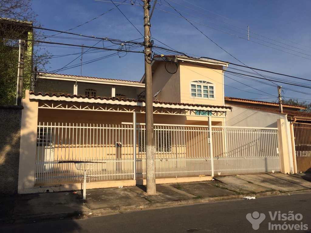 Sobrado em Pindamonhangaba, no bairro Residencial Campos Maia