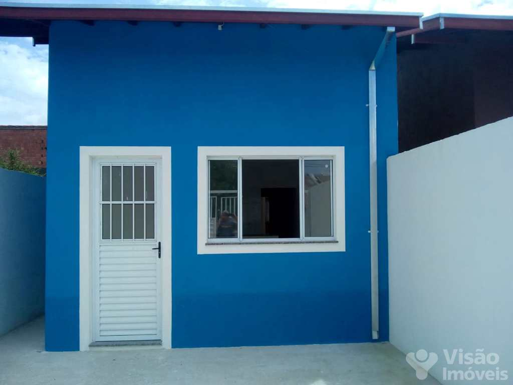 Casa em Pindamonhangaba, no bairro Residencial Pasin