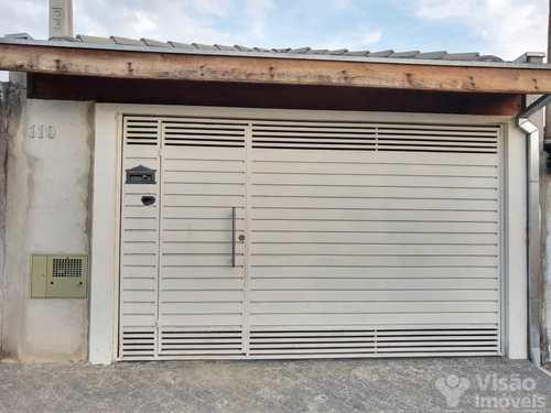 Casa, código 1920147 em Pindamonhangaba, bairro Conjunto Residencial Araretama