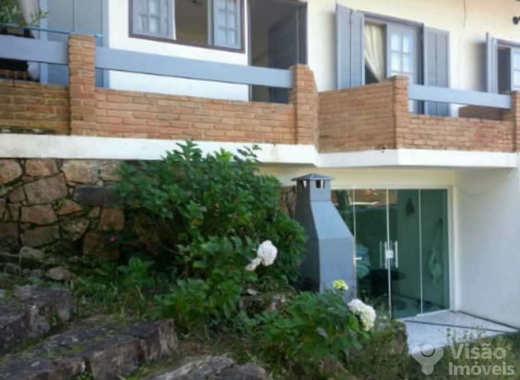 Sobrado em Ubatuba, no bairro Jardim Pedreira