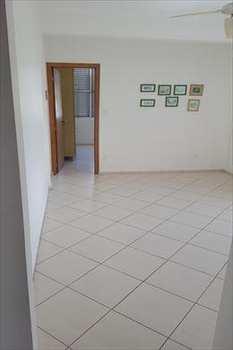 Apartamento, código 2766 em Santos, bairro José Menino