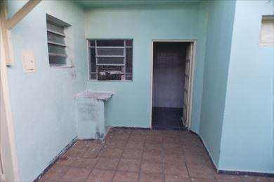 Sobrado em São Vicente, no bairro Catiapoa