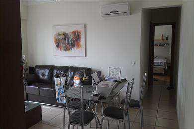 Apartamento, código 2728 em Santos, bairro Embaré