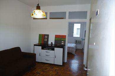 Apartamento, código 2463 em São Vicente, bairro Centro