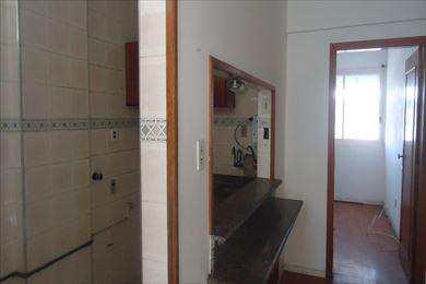 Apartamento, código 2420 em Santos, bairro José Menino