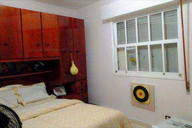 Apartamento, código 2402 em São Vicente, bairro Jardim Independência
