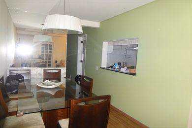 Apartamento, código 1435 em Santos, bairro Macuco