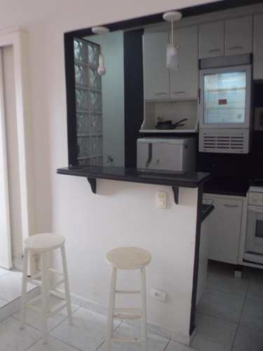 Kitnet, código 2918 em Santos, bairro José Menino