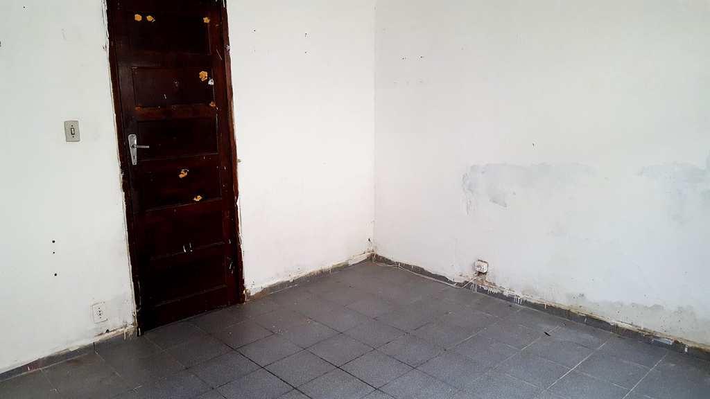 Casa em Santos, bairro Caneleira