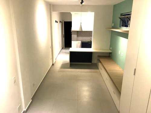 Apartamento, código 3495 em Santos, bairro Gonzaga