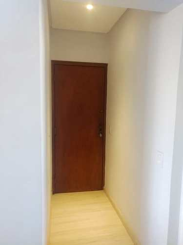 Apartamento, código 3618 em Santos, bairro Embaré