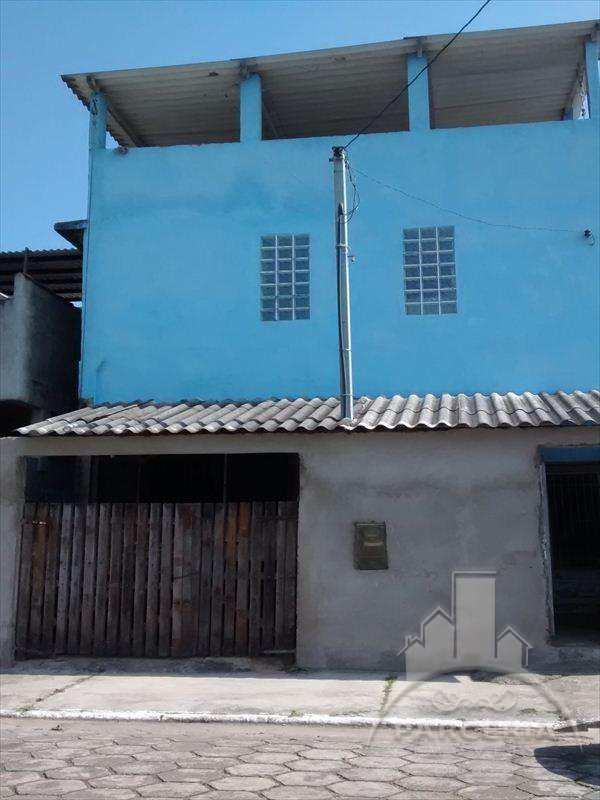 Sobrado em Cubatão, no bairro Vila Caraguata
