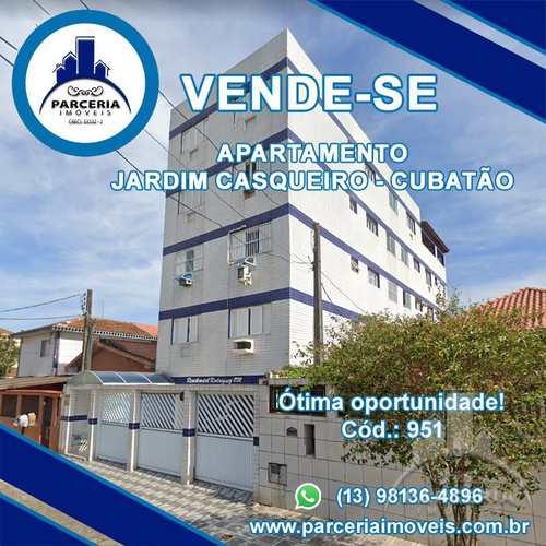 Apartamento, código 951 em Cubatão, bairro Jardim Casqueiro