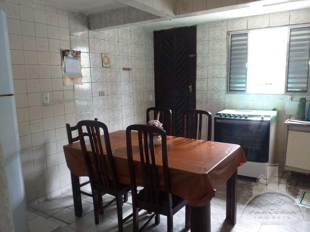 Casa em Cubatão, no bairro Vila São José