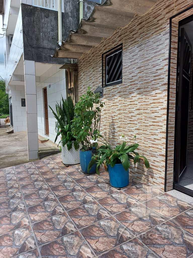 Casa em Cubatão, no bairro Vila Costa Muniz
