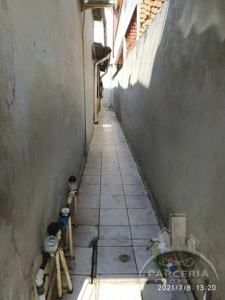 Casa em Cubatão, no bairro Jardim Nova República