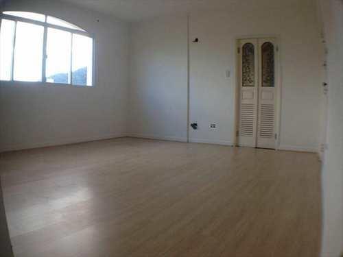 Apartamento, código 487 em Santos, bairro Campo Grande