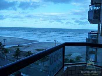 Apartamento, código 2011 em Praia Grande, bairro Real