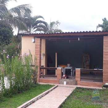 Casa em Pedro de Toledo, bairro Centro