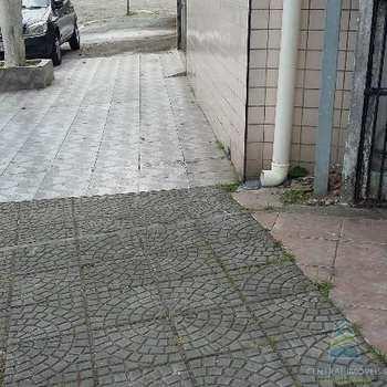 em São Vicente, bairro Catiapoa