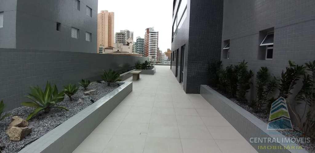 Flat em Praia Grande, no bairro Boqueirão