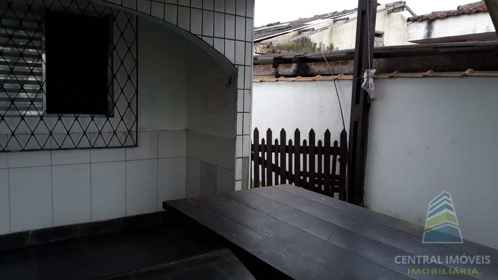 Casa em São Vicente, no bairro Vila Nossa Senhora de Fátima