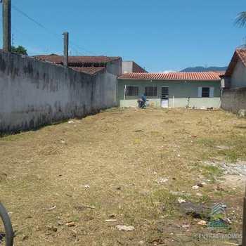 Casa em Caraguatatuba, bairro Balneário dos Golfinhos