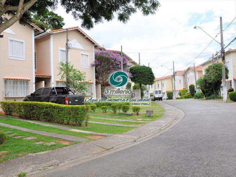 Sobrado de Condomínio em Cotia, no bairro Jardim Barro Branco