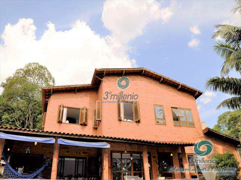 Casa em Cotia, no bairro Granja Carneiro Viana