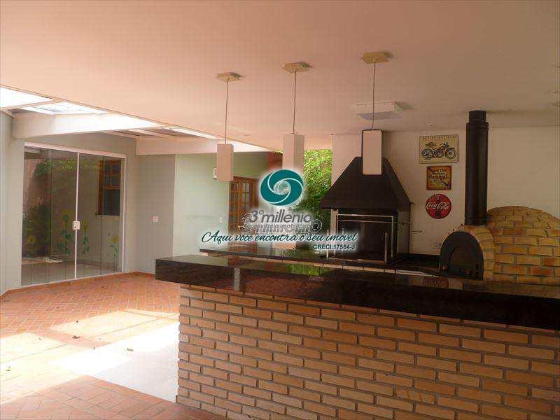 Sobrado de Condomínio em Cotia, bairro Granja Viana