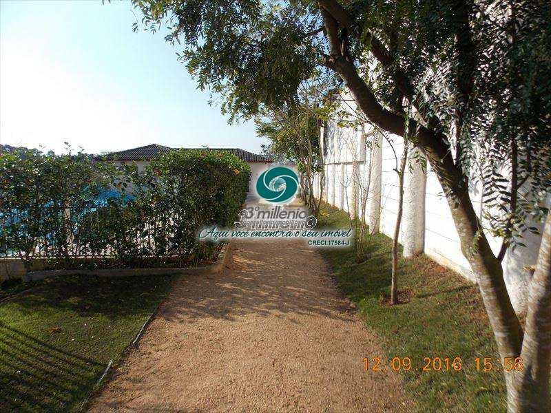 Casa de Condomínio em Cotia, bairro Chácara Canta Galo