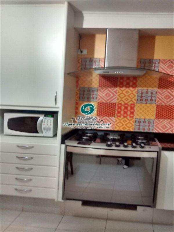 Sobrado de Condomínio em Carapicuíba, bairro Chácara do Refúgio