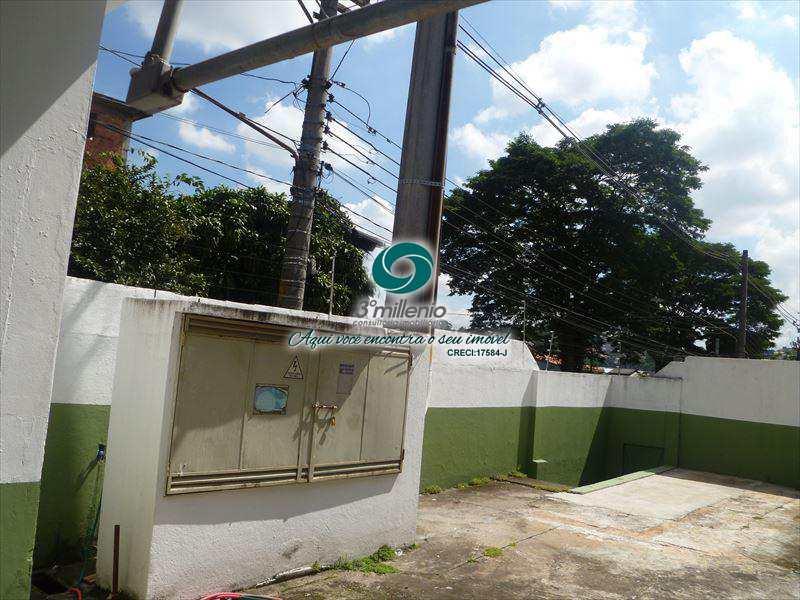 Galpão em Taboão da Serra, no bairro Vila das Oliveiras