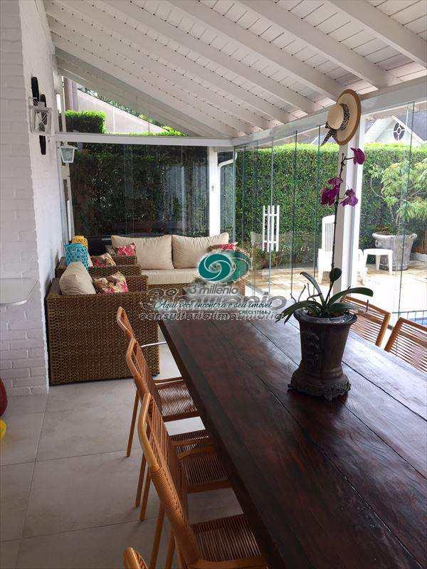 Casa em Cotia, no bairro Bosque do Vianna